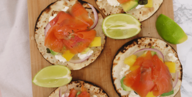 tacos de salmon y mango